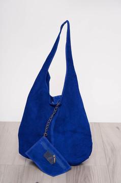 Geanta dama albastra casual din piele naturala cu manere de lungime medie cu accesoriu inclus