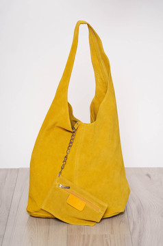 Geanta dama galbena casual din piele naturala cu manere de lungime medie cu accesoriu inclus