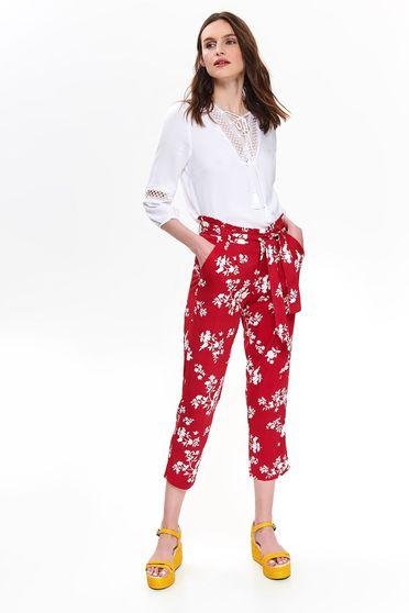 Pantaloni Top Secret rosii casual cu talie medie cu buzunare din material vaporos cu imprimeuri florale