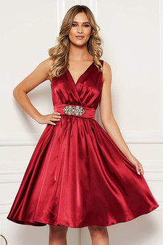 StarShinerS burgundy dress elegant occasional midi from satin with inside lining with v-neckline
