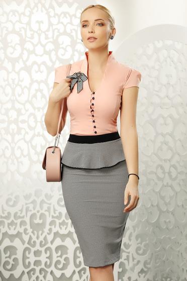 Camasa dama Fofy piersica eleganta mulata din bumbac cu maneca scurta accesorizata cu brosa