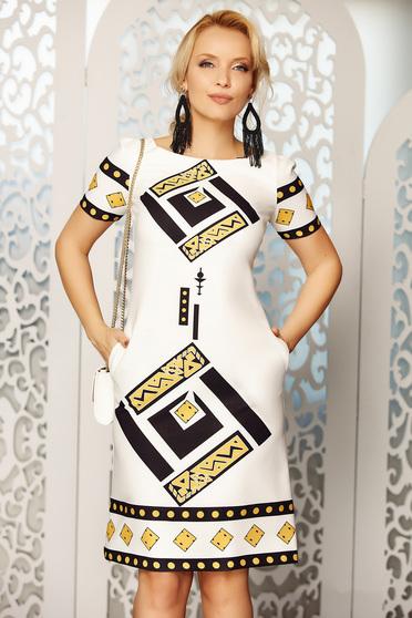 Rochie Fofy alba eleganta de zi cu croi in a cu buzunare din material fin la atingere cu imprimeuri grafice