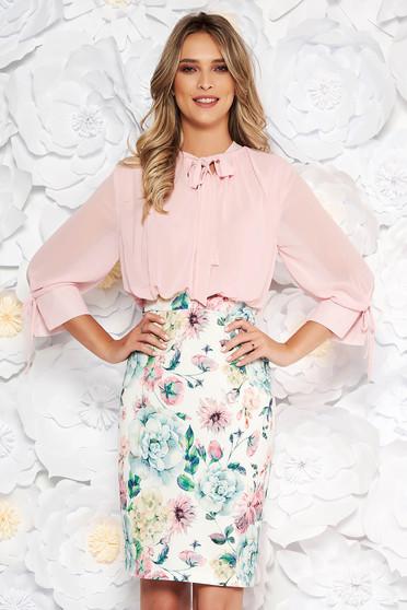 Rochie roz prafuit eleganta midi tip creion cu maneci trei-sferturi si imprimeuri florale