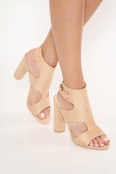 Sandale crem elegante cu toc inalt gros din piele ecologica