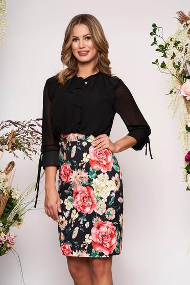 Rochie neagra eleganta midi tip creion cu maneci trei-sferturi si imprimeuri florale