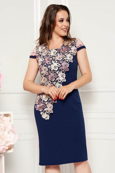 Rochie albastru-inchis eleganta midi cu un croi drept cu maneci scurte suprapunere cu dantela