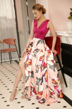 Rochie PrettyGirl roz prafuit de ocazie in clos din material satinat cu imprimeuri florale accesorizata cu cordon