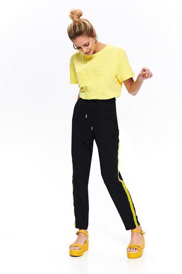 Pantaloni Top Secret negri casual cu talie medie cu elastic in talie cu un croi drept