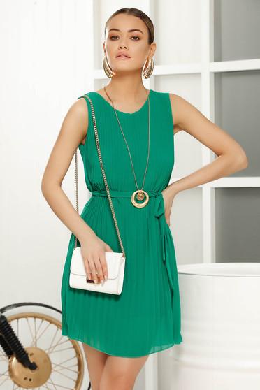 Rochie verde de zi in clos din voal captusita pe interior