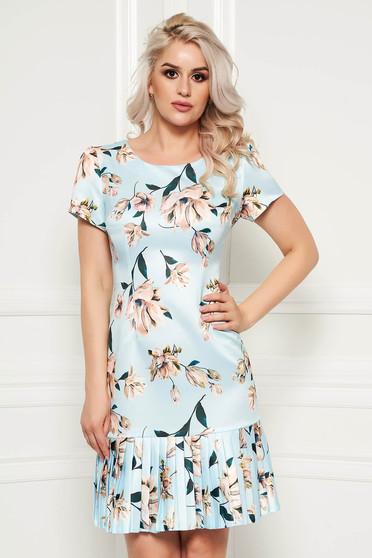 Rochie albastra-deschis eleganta de zi cu croi in a cu maneci scurte din material neelastic cu imprimeu floral