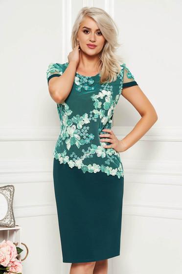 Rochie verde-deschis midi eleganta cu un croi drept cu maneca scurta din material subtire suprapunere cu dantela