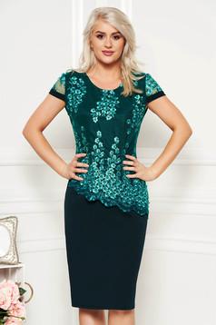Rochie verde eleganta midi cu un croi drept cu maneci scurte din material subtire suprapunere cu dantela