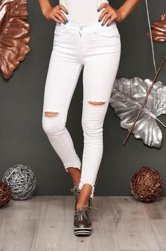 Blugi SunShine albi skinny cu talie medie din denim cu rupturi si aplicatii cu perle
