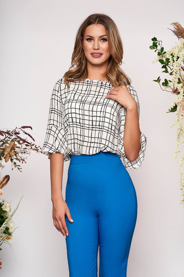 Bluza dama SunShine alba eleganta cu maneci trei-sferturi tip clopot cu croi larg si imprimeuri grafice