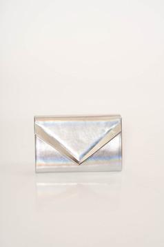 Geanta dama argintie plic de ocazie accesorizata cu lant metalic si detasabil