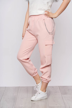 Lightpink trousers casual high waisted lateral pockets with an accessory