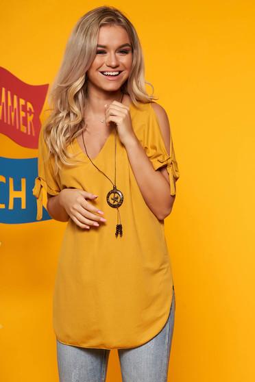 Bluza dama SunShine mustarie cu umeri decupati cu decolteu in v cu accesoriu inclus