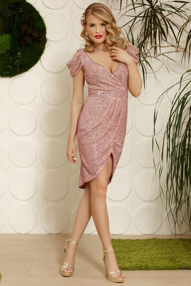 Rochie PrettyGirl roz deschis eleganta de ocazie asimetrica cu decolteu in v cu umeri decupati