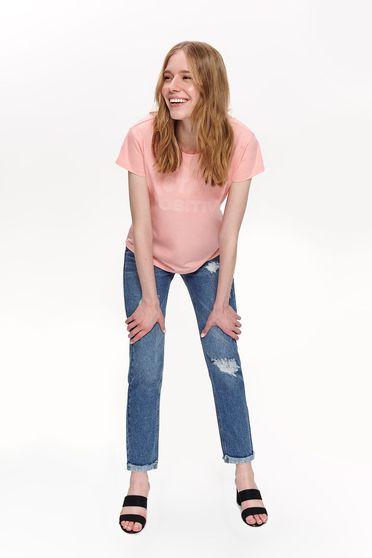 Tricou Top Secret roz casual cu croi larg cu spatele decupat cu decolteu rotunjit cu mesaje