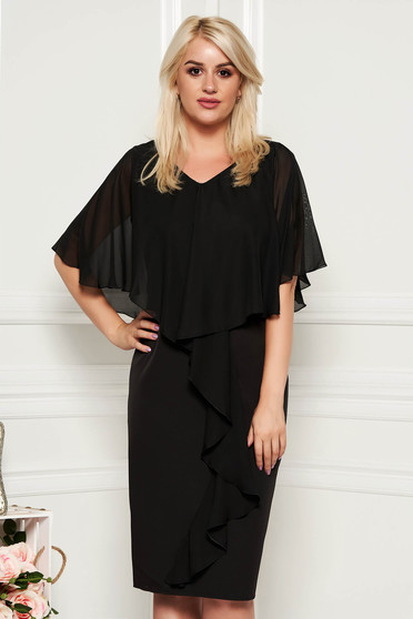 Rochie neagra midi de ocazie fara maneci cu un croi cambrat din stofa subtire usor elastica suprapunere cu voal
