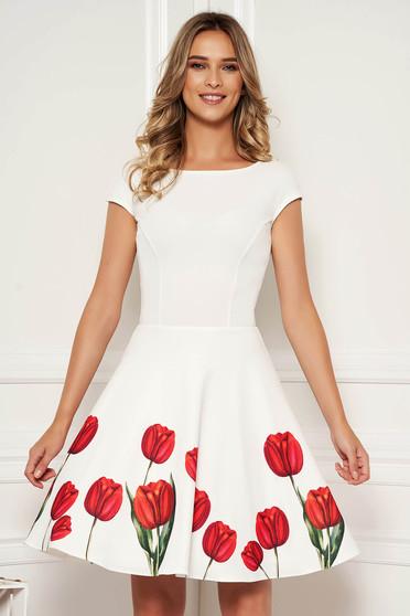 Rochie StarShinerS ivoire eleganta de ocazie scurta in clos cu spatele decupat si imprimeu floral