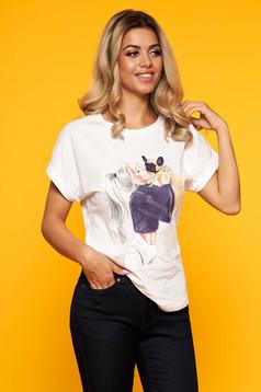 Tricou SunShine alb casual din bumbac cu croi larg decolteu rotunjit si imprimeuri grafice