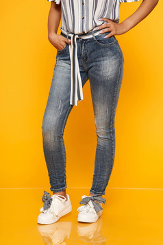 Blugi albastri casual model prespalat din denim