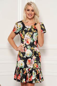 Rochie neagra eleganta de zi cu croi in a din material neelastic cu maneci scurte si imprimeu floral
