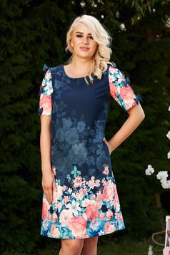 Rochie albastru-inchis scurta eleganta cu croi larg de zi cu maneci decupate accesorizata cu fundite