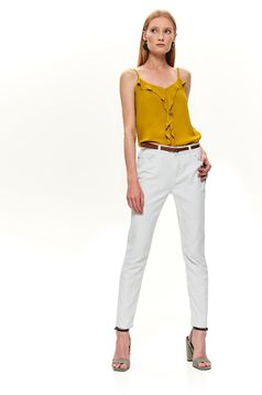 Pantaloni Top Secret albi casual conici din material reiat cu talie medie si accesoriu tip curea