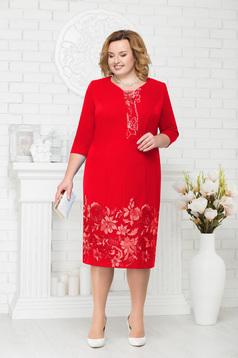 Rochie rosie eleganta de ocazie cu un croi drept midi cu aplicatii cu margele cu maneci trei-sferturi
