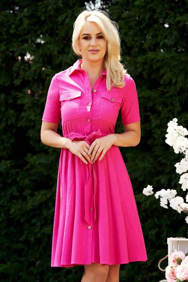 Rochie roz casual in clos cu elastic in talie accesorizata cu cordon cu buzunare in fata