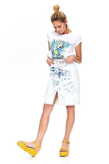 Tricou Top Secret alb casual cu croi larg decolteu la baza gatului si imprimeuri grafice