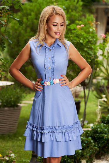 Rochie albastra casual scurta in clos cu volanase fara maneci cu accesoriu inclus