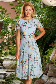 Rochie albastru-deschis de zi midi in clos din voal cu imprimeu floral cu maneci scurte tip fluture