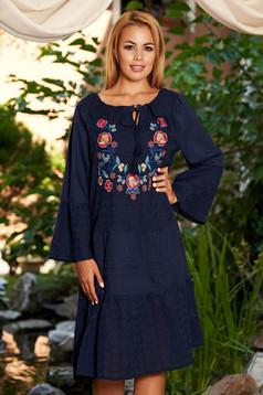 Rochie albastru-inchis de zi midi din bumbac cu croi larg broderie florala cu maneci lungi pe umeri