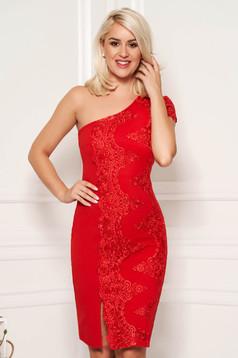 Rochie rosie scurta eleganta de ocazie tip creion cu bust buretat pe umar