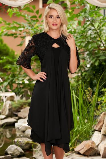 Rochie neagra eleganta midi tip creion cu maneci scurte din dantela si suprapunere cu voal