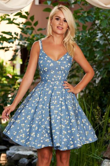 Rochie StarShinerS albastra scurta de zi in clos din bumbac cu decolteu in v cu bretele si imprimeu floral