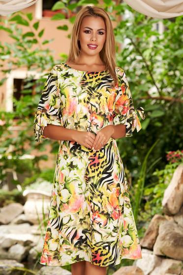 Rochie verde midi de zi din voal cu croi in a si imprimeu floral
