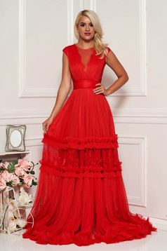 Ana Radu red occasional cloche dress with v-neckline with lace details accessorized with tied waistband