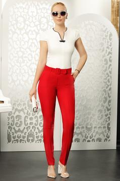 Pantaloni Fofy rosii eleganti cu talie medie si croi drept cu accesoriu tip curea