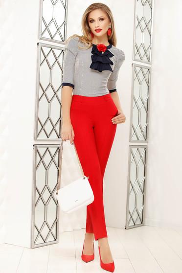 Pantaloni Fofy rosii eleganti cu un croi drept cu talie medie si accesoriu tip curea