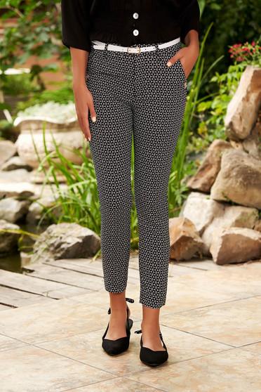 Pantaloni SunShine negri casual conici din bumbac cu talie medie si imprimeuri grafice