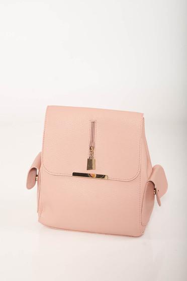 Rucsac roz casual din imitatie de piele cu buzunare laterale si bretele ajustabile