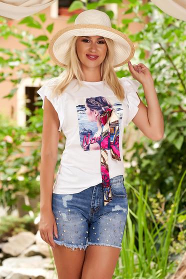 Tricou SunShine alb casual cu croi larg din bumbac cu volanase la maneca si imprimeuri grafice
