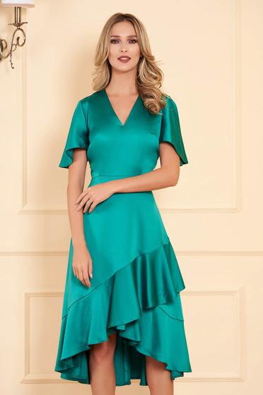 Rochie verde midi de ocazie asimetrica din satin cu decolteu in v cu maneci tip fluture si volanase