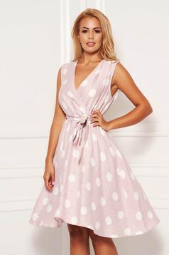 Rochie roz prafuit scurta de zi in clos din in cu decolteu in v cordon detasabil si elastic in talie