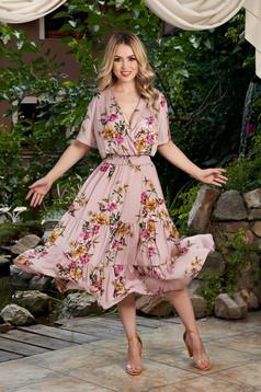 Rochie roz prafuit midi de zi in clos cu elastic in talie cu imprimeu floral si buline
