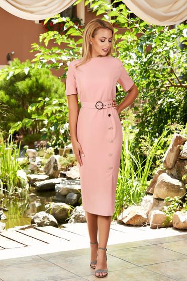 Rochie roz prafuit de zi eleganta midi tip creion din stofa accesorizata cu nasturi cu decolteu rotunjit si maneci scurte